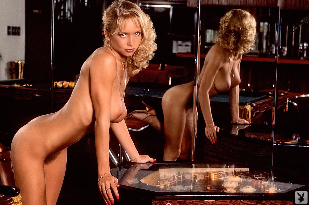 Kim Malin Nude