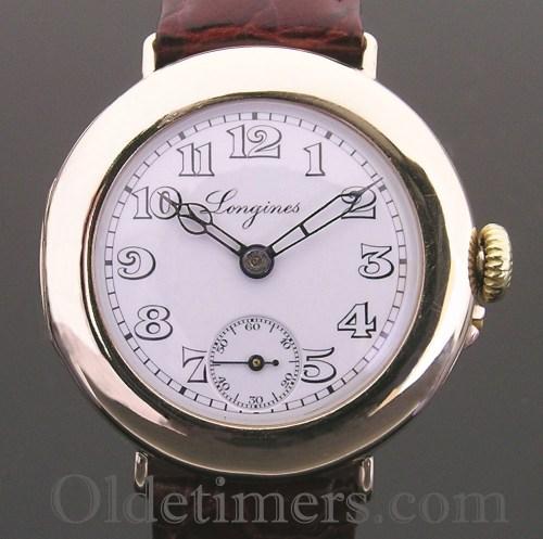 1915 9ct gold round vintage Longines watch