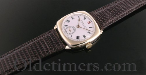 1930s 9ct gold cushion vintage Longines watch