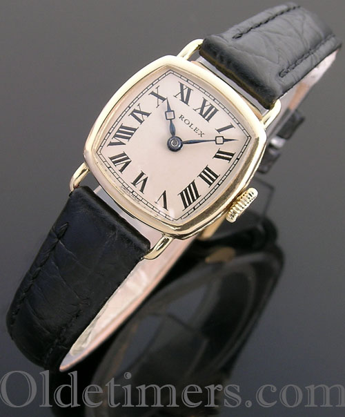 1920s 18ct gold ladies square vintage Rolex watch (3800)