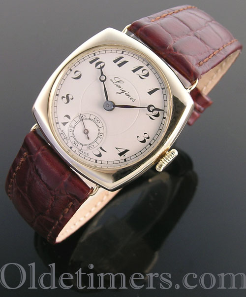 1930s 14ct gold cushion vintage Longines watch (3978)