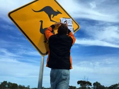 Matt leaves a message for Kiwi Traveler Rob