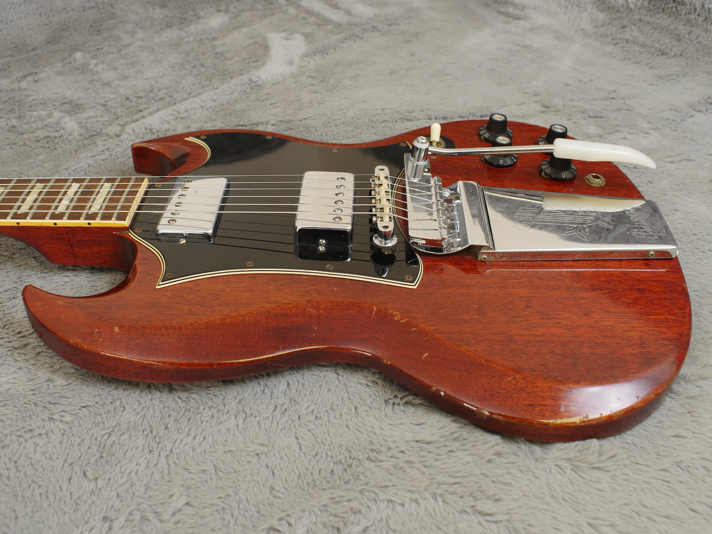 small resolution of  gibson sg standard 1969 cherry red