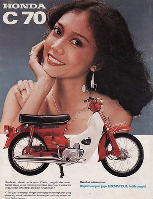 1970s Honda C70 Brochure Classic Motorcycle Pictures