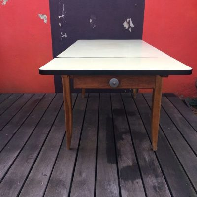 Table style campagnard vintage
