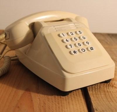 Téléphone ivoire vintage