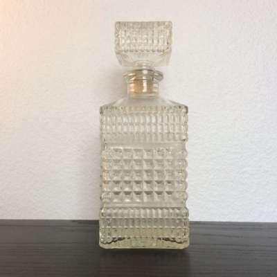 Bouteille whisky vintage verre ciselé