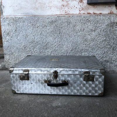 Valise métal vintage