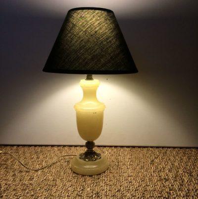 Petite lampe de chevet vintage pied en albatre