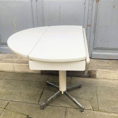 Table vintage formica blanc à rabats