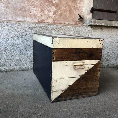 Malle en bois vintage