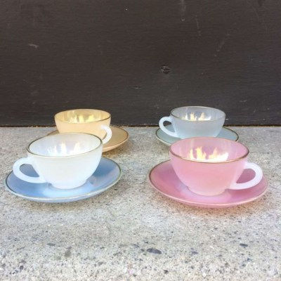 Tasse à café opaline Arcopal vintage