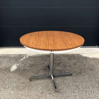 table ronde formica marron
