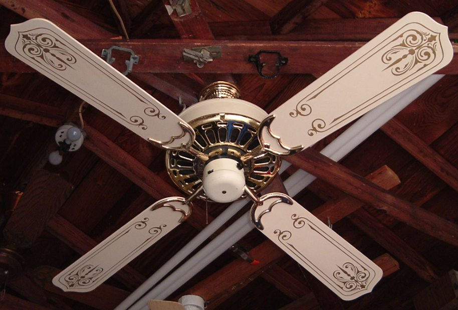 Casablanca Zephyr Vanilla  Brass Ceiling Fan