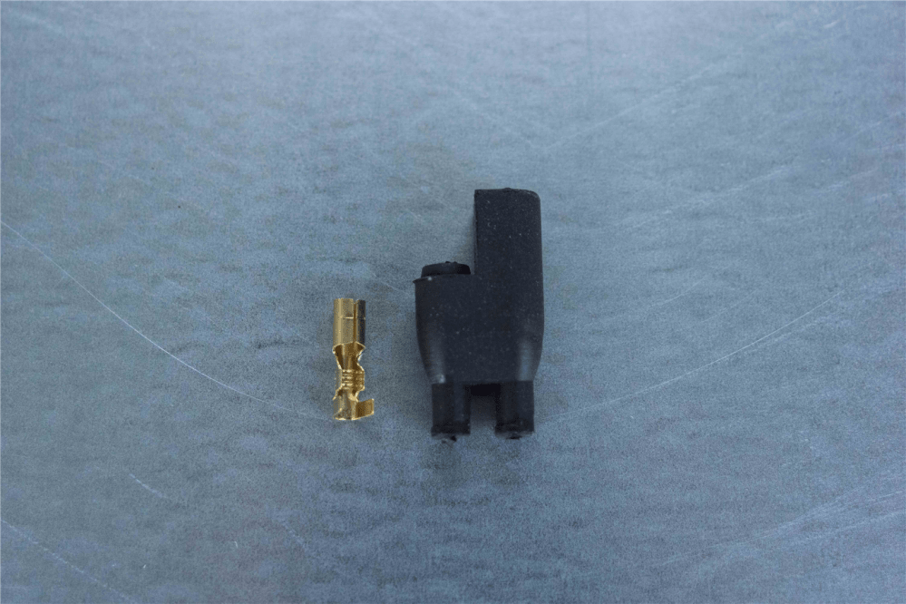 medium resolution of 4mm 2 pin black rubber connector