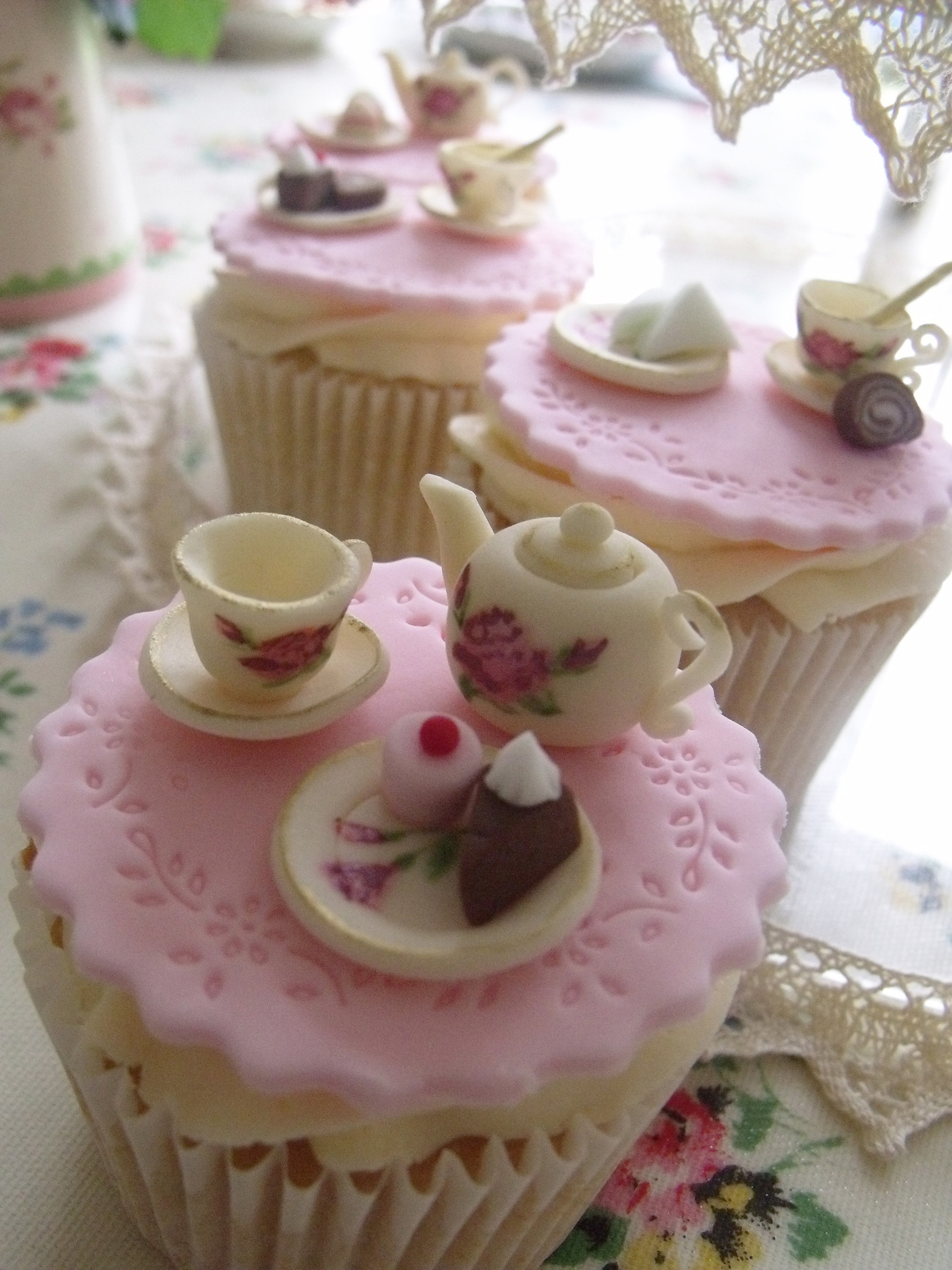Party And Cakes Cupcakes