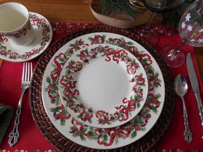 Ribbon Plates Antique & Pretty Antique Porcelain Ribbon