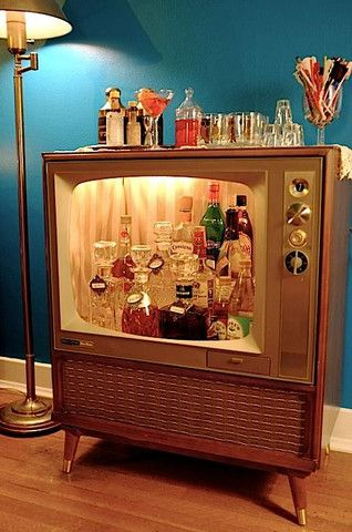Vintage TV being used as a Vintage Bar