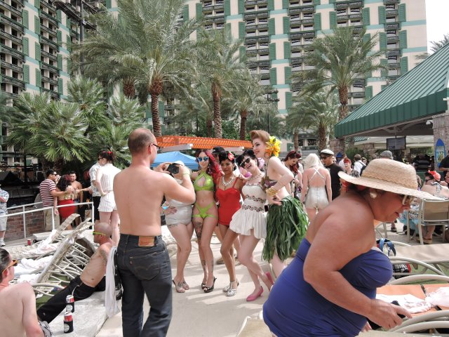 VLV 18 Pool Party Sunday 2015