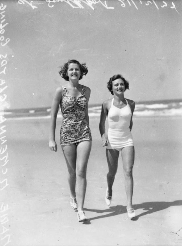 1930s ladies in Swimsuit