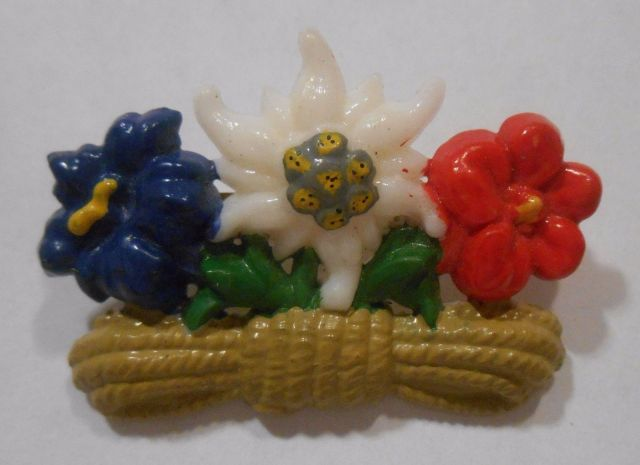 German Travel Souvenir Hat Pin Oktoberfest Edelweiss Alpine Flowers Rope