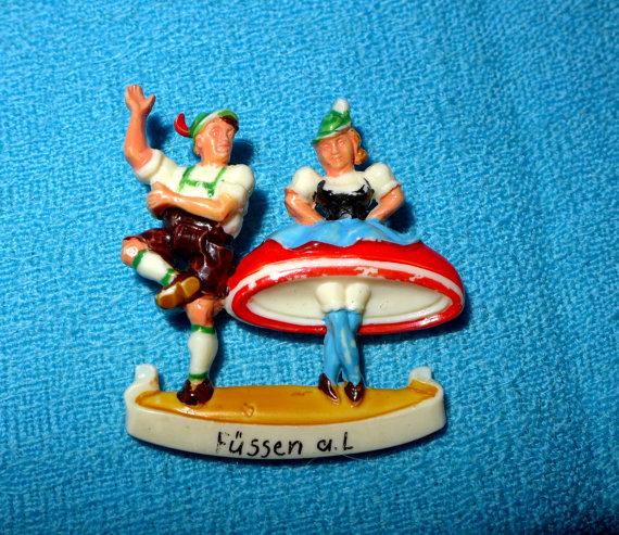 Vintage German hat pin with bavarian dancers