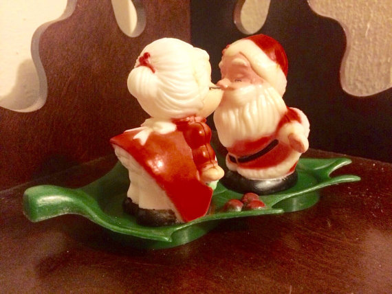 1950s vintage christmas salt and pepper shakers