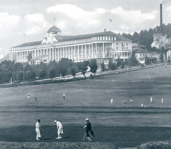 Grand Hotel and Golf Course, Mackinac Island, circa 1915.