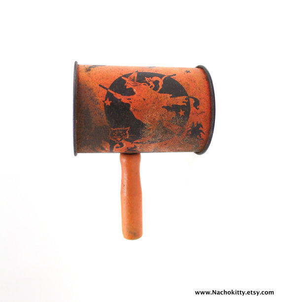 1920s-vintage-halloween-noise-shaker