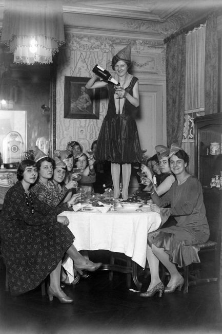1920s New years eve party getty images