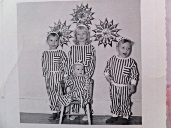 1950s christmas kids in matching pajamas