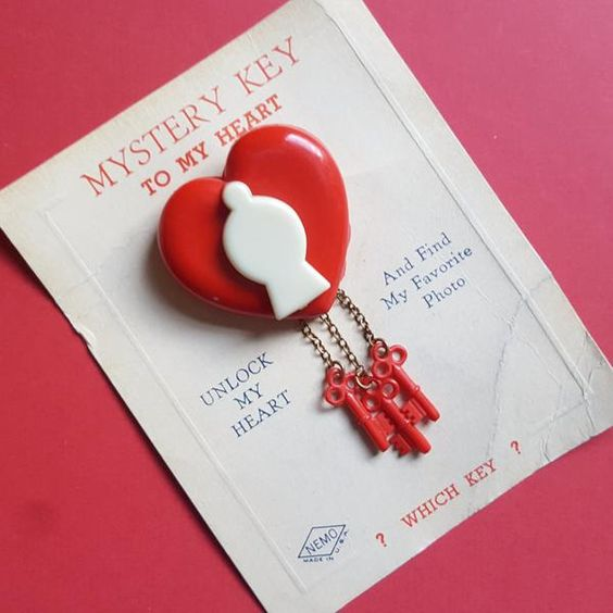 mystery-key-to-my-heart-vintage-heart-lock-brooch