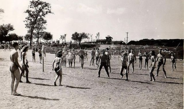 cyanamid pool niagara falls vintage image