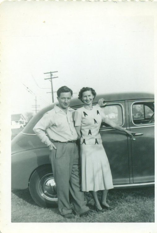 1940s happy couple vintage image