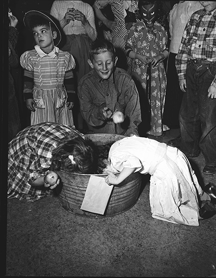 1949 Halloween Party bobbing for apples vintage photo