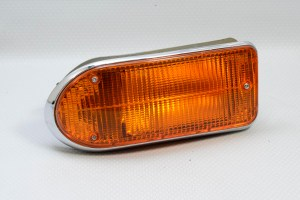 Jaguar C34710 - E-Type Series 3 Front/Side Indicator Lamp - Right Hand (L823), NOS