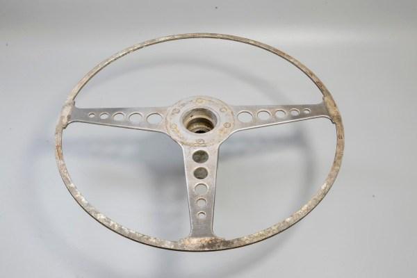 Jaguar C28590 - 16 in. Wood Rimmed Steering Wheel