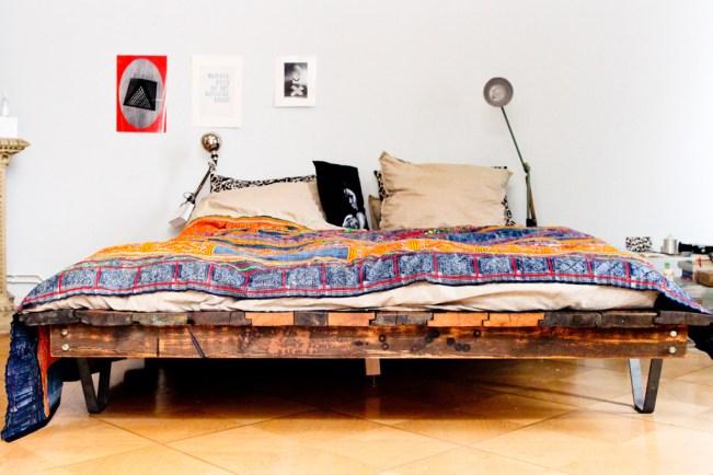 Bett aus Französischen Bunkerdielen