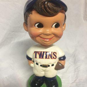 Minnesota Twins Extremely Scarce Swirl Cap Nodder 1963 Vintage Bobblehead Green Base
