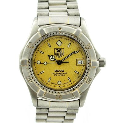 Pre-Owned and Collectible Tag Heuer 2000 Professional 200m Midsize Watch 964.013