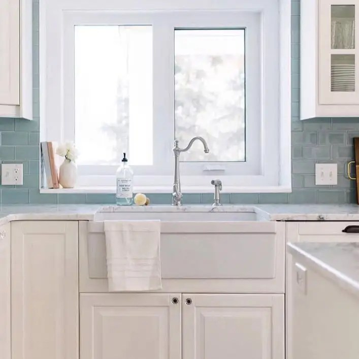 33 inch reversible fireclay farmhouse sink with decorative lip white