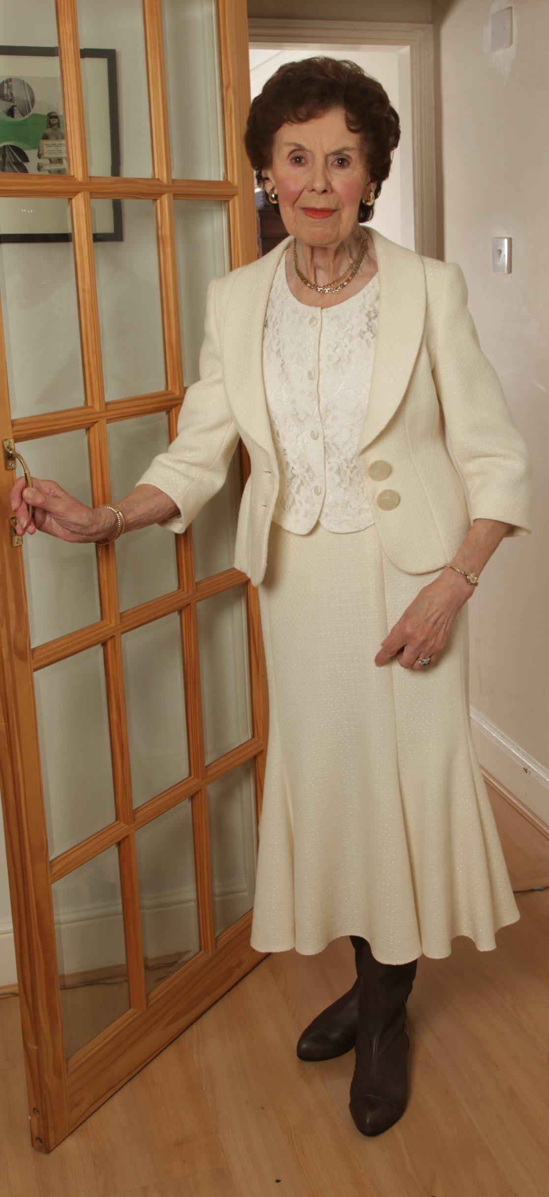 Uma Granny Vixen-1519