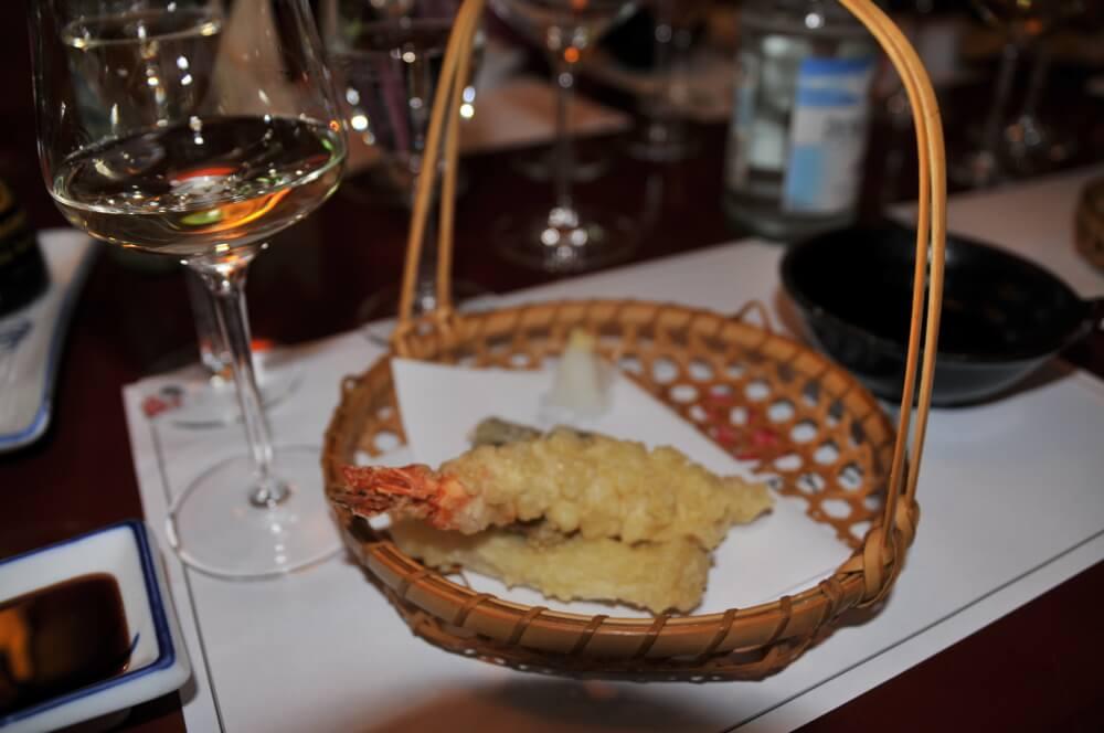 Japanisches Essen und insbesondere Sushi und Wein   VINVIA