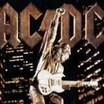 "28 Février 2000 - AC/DC sort l'album ""Stiff Upper Lip"""