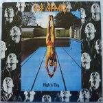 11 juillet 1981 - Def Leppard sort l'album High 'N' Dry.