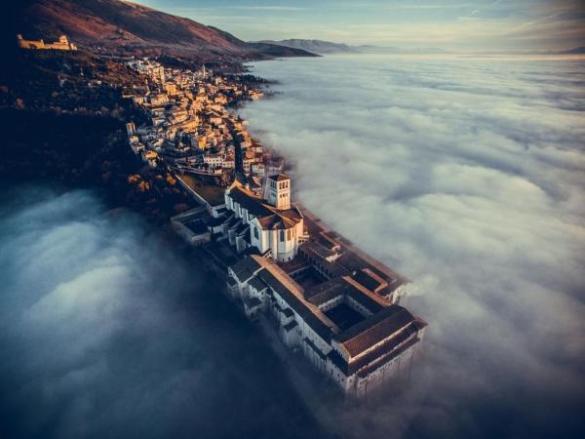 Por Francesco Cattuto, Dronestagram