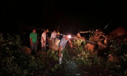 #EnAudio Bomberos reporta caída de rocas en la Vía al corregimiento del Morro