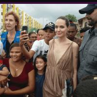 Pues la actriz americana es la enviada de la ACNUR de las Naciones Unidas, aparte de su encuentro con el gobierno cumplirá una misión humanitaria.