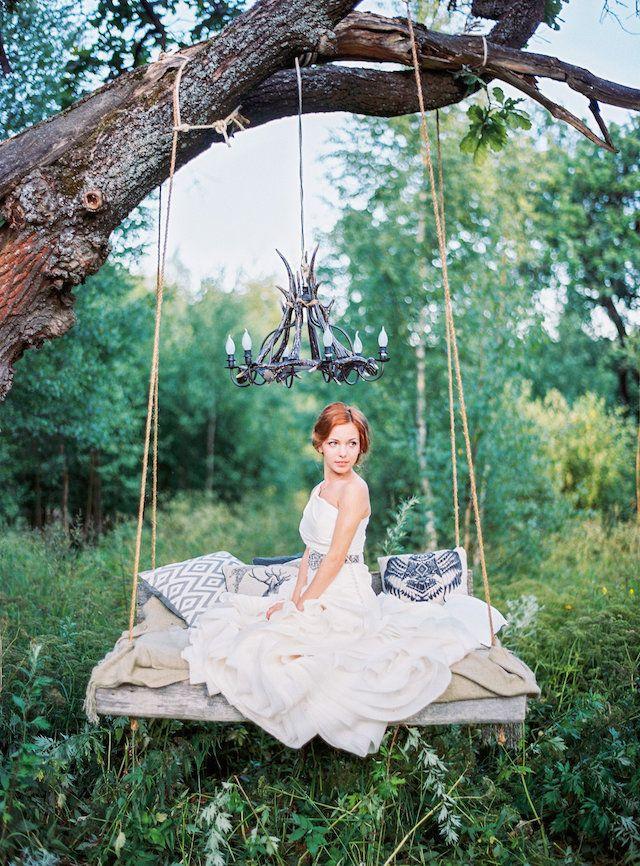 Tree Swings Part - 30: Weddings: Romantic Floral Tree Swings - Bridal Inspiration
