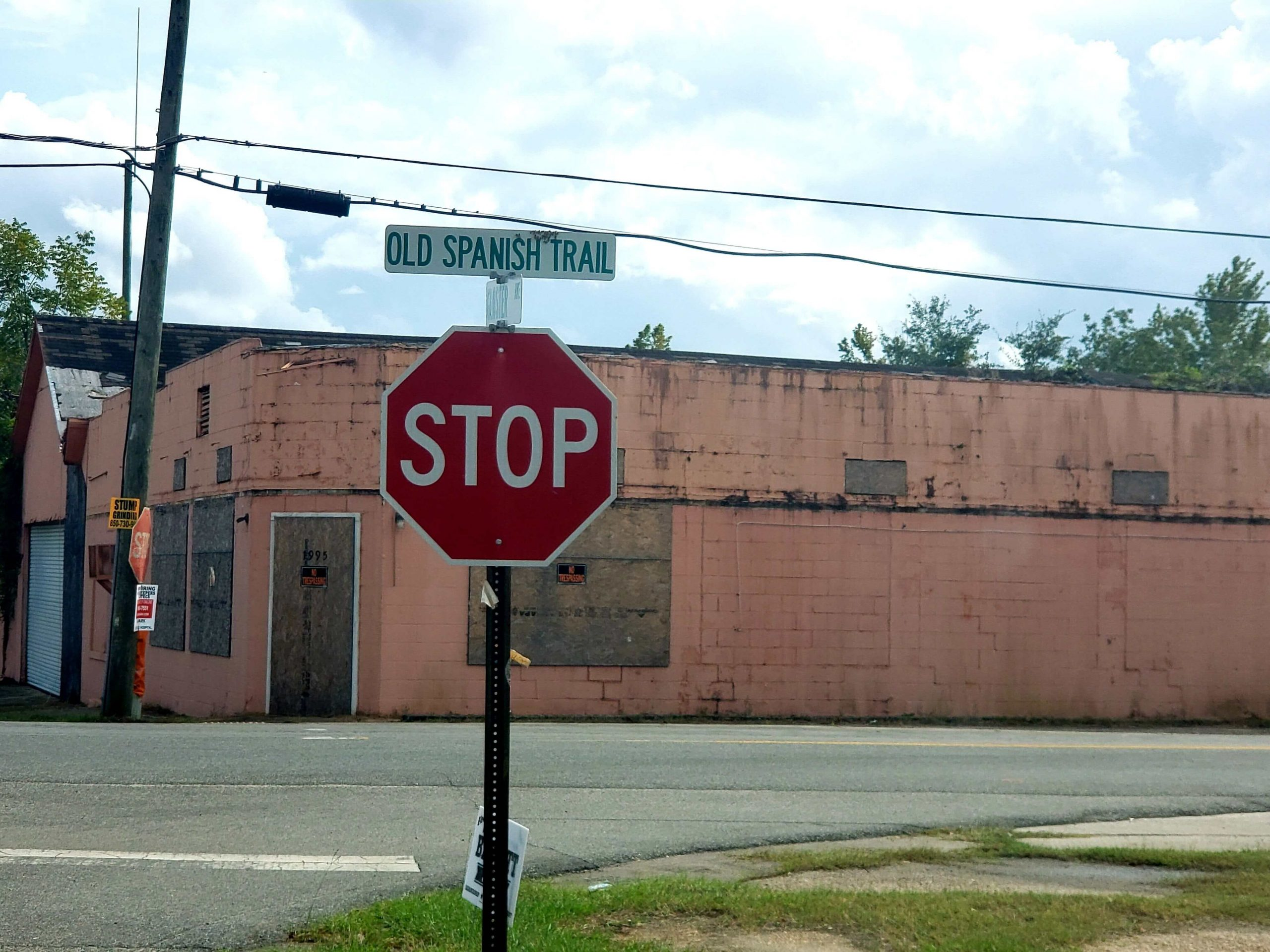 The Old Spanish Trail as it crosses over Gloster Avenue in Sneads, Florida